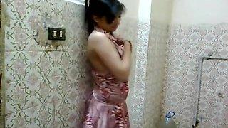 Madiha Khan Desi Bathroom Sex Porn 1