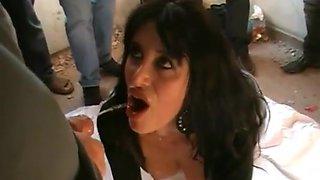 French amateur brunette blowbang bukkake video compilation